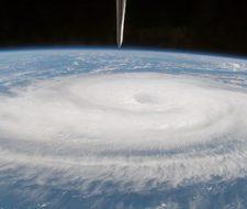 Menos huracanes, pero más destructivos