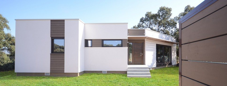 19e4b79e7e7e3 casa-moderna-mortero-madera1-968x367