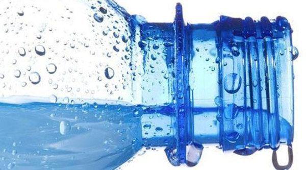 5-razones-para-no-comprar-agua-en-botellas-de-plastico