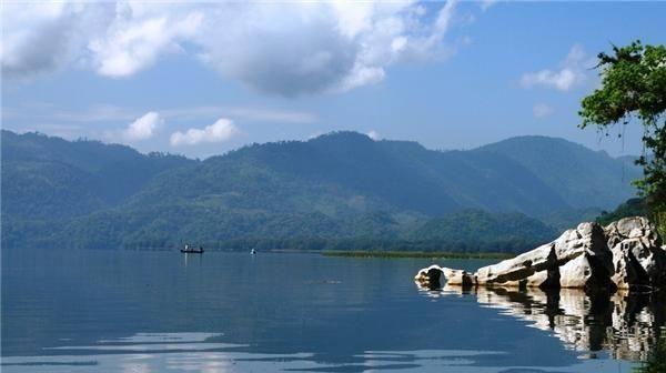 El-Lago-de-Yojoa-Honduras