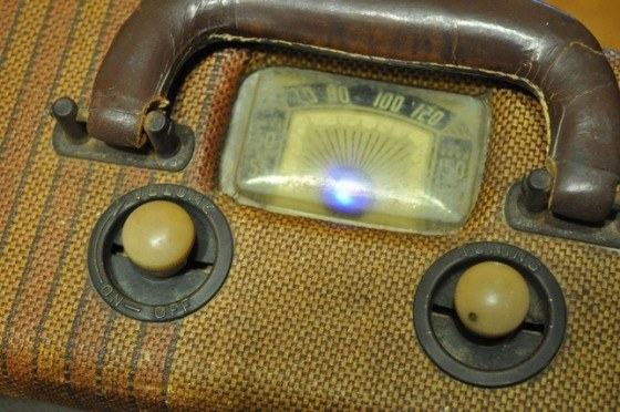radio-vieja-luz-led