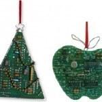 decoracion-navidena-con-materiales-reciclados-adornos-colgantes-chips-ordenador