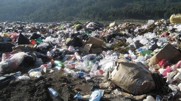 basura en el suelo