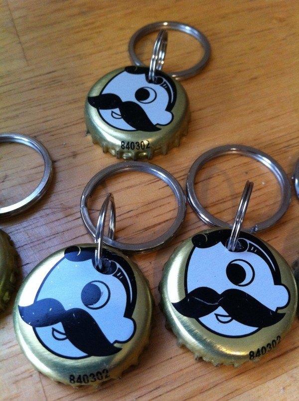 ideas-para-regalos-de-san-valentin-con-material-reciclado-llaveros-reciclados