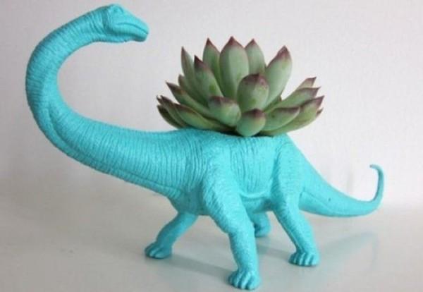 macetas-recicladas-para-el-jardin-juguete