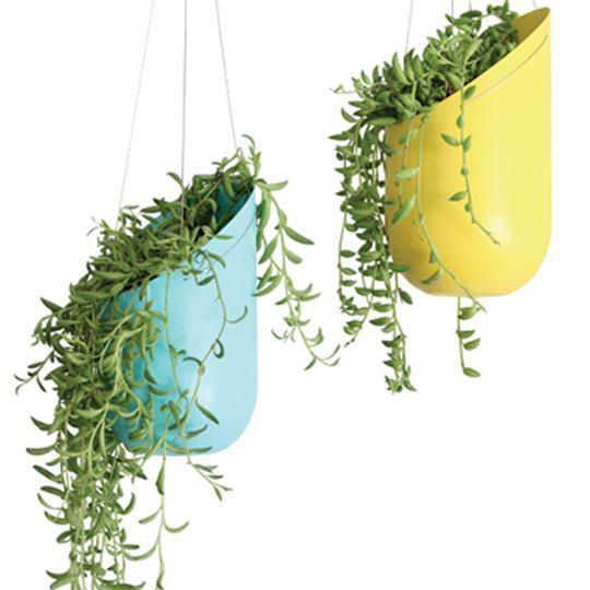 Macetas recicladas para el jard n for Macetas de pared ikea