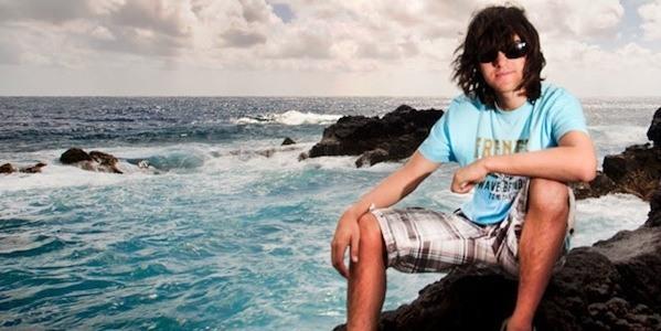 un-joven-de-19-anos-inventa-un-metodo-para-limpiar-los-oceanos-en-un-decada