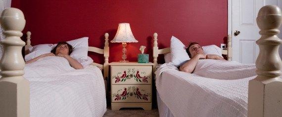 como-dormir-sin-calor-y-sin-aire-acondicionado-dormir-solo-y-a-ras-de-suelo