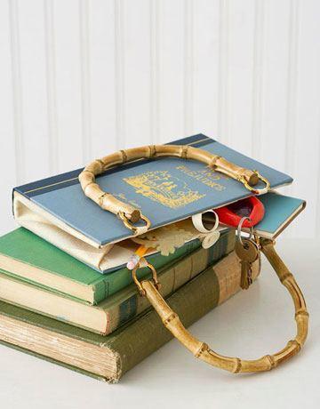 14-formas-curiosas-de-reciclar-cosas-viejas-bolso-con-libro-viejo