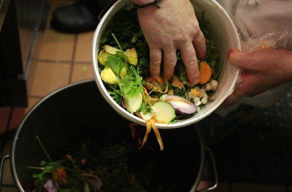 8-alimentos-que-pueden-volver-a-utilizar-antes-de-tirarlos-a-la-basura-verduras