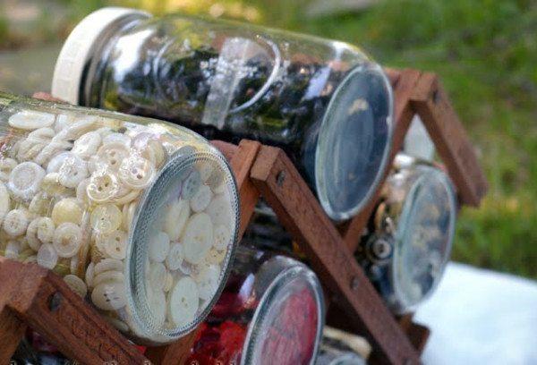 25-nuevos-usos-para-tarros-y-botes-viejos-reciclaje-botones