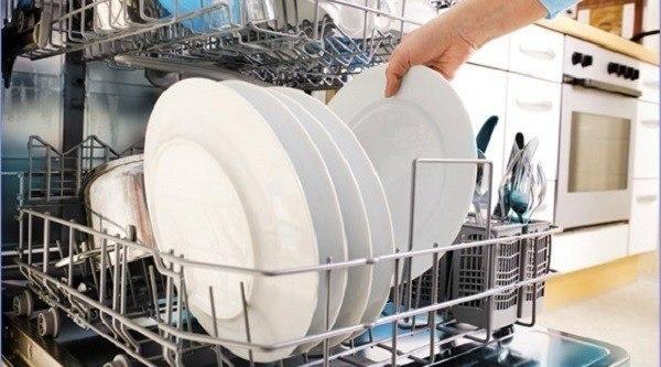 cargar lavavajillas