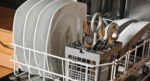poner lavavajillas
