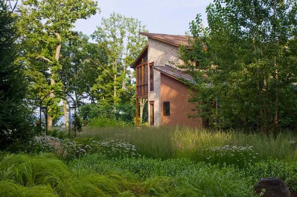 10-formas-naturales-de-mantener-fresca-la-casa-en-verano-planta-un-arbol