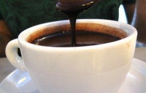 Chocolate caliente a cambio de no lucir pieles