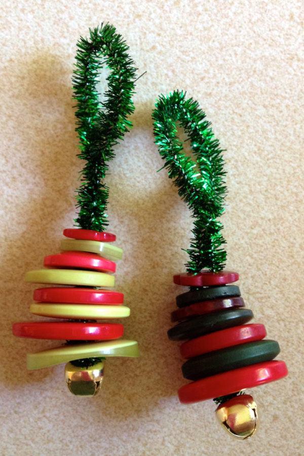decoracion-navidena-colgantes-adornos-reciclados-botones-campanas