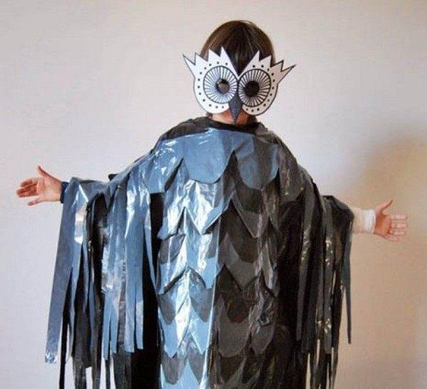 disfraces-originales-para-carnaval-2016-con-materiales-reciclados-disfraz-de-buho-con-una-bolsa-de-basura