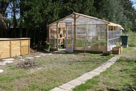 Invernaderos caseros for Construccion de viveros e invernaderos