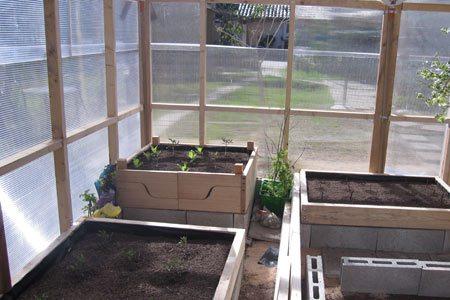 invernaderos-caseros-interior-camas