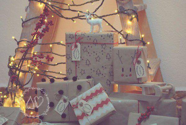 arboles-de-navidad-ecologicos-escalera-tonos-tierra-y-rosa