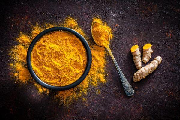 Remedios naturales manchas en la piel curcuma