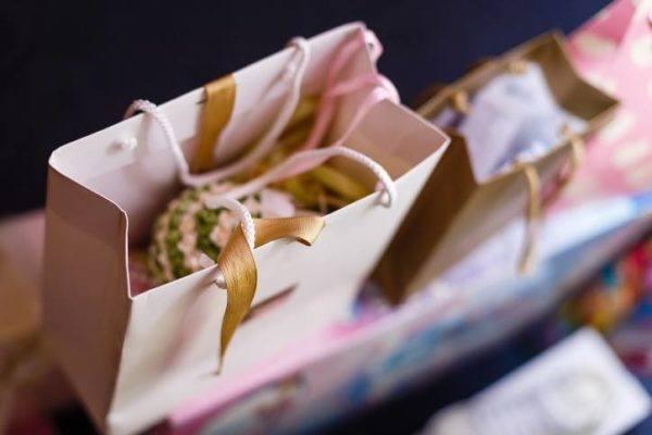 Bolsa de papel elementos reciclados origami