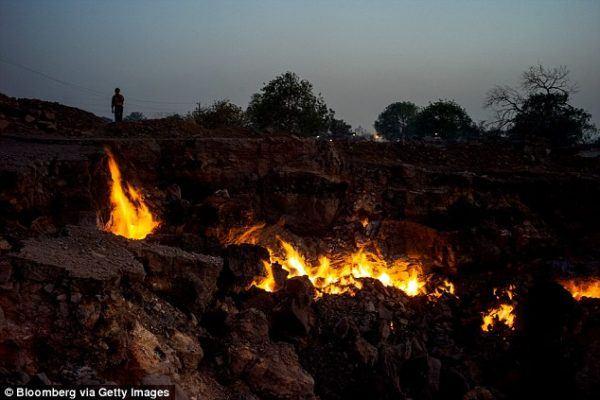 Jhara, ciudad de la India que lleva años ardiendo, por la hulla del interior de la tierra