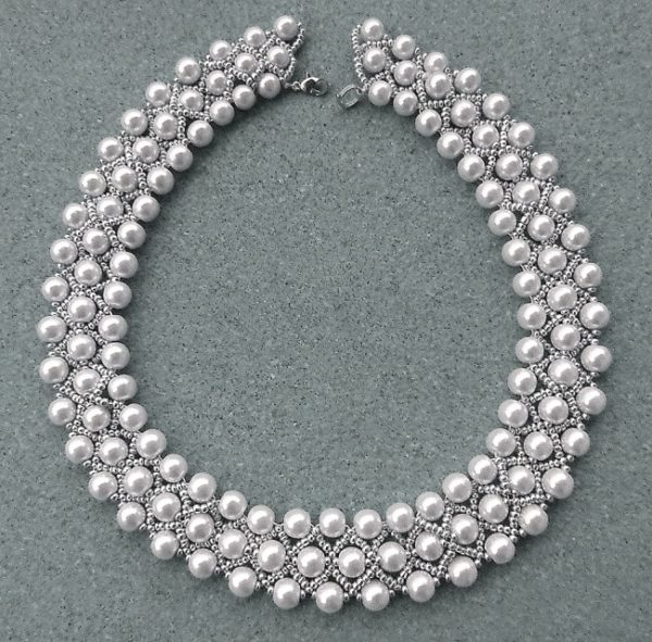 como-hacer-collares-con-materiales-reciclados-perlas-elegante