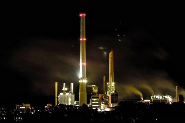 contaminacion-luminica-espana-deslumbramiento-industria