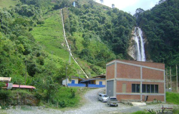 central-hidroeléctrica-la-cascada