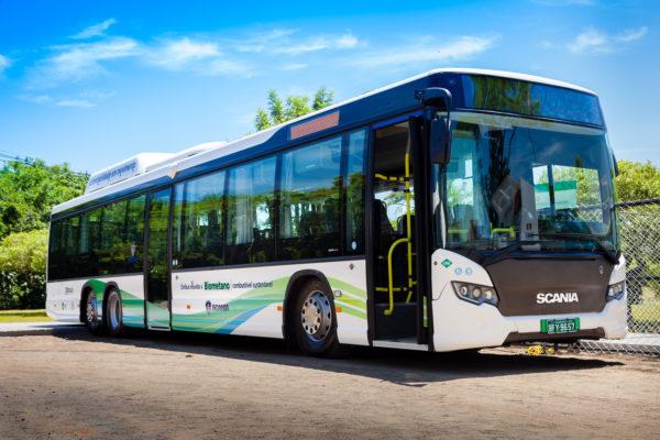 Ônibus movido por biometano