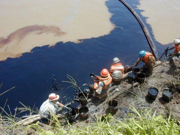 la-contaminacion-petroleo-derrame