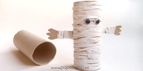 Manualidades de Halloween con rollos de papel higiénico momia