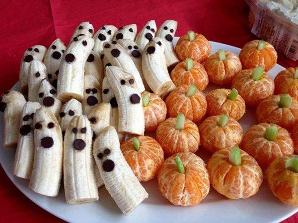 Manualidades fáciles de Halloween para niños plátanos y mandarinas fantasmas y calabazas