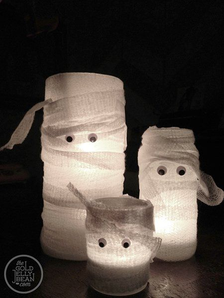 Manualidades fáciles de Halloween para niños velas momias