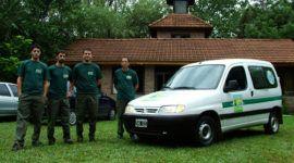 Una guardia ecológica ayuda a preservar el medio ambiente