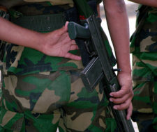 Bolivia prohíbe que sus militares maltraten a animales