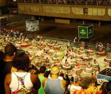 El sambódromo brasileño se tiñe de verde