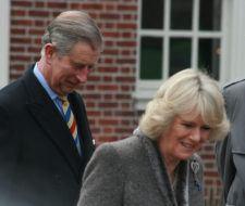 El príncipe Carlos viaja en yate para contaminar menos