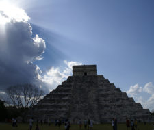 """""""Equinoccio, la pirámide mágica"""": infantil y ecologista"""