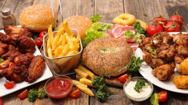 Alimentos contaminan comida basura