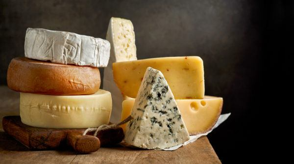 Diferentes quesos dañinos