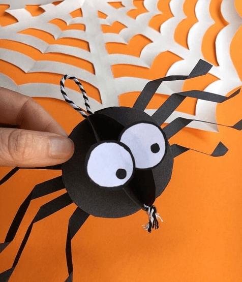 Halloween ecológico 2020 araña cartón