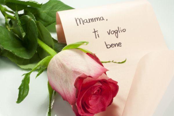 regalos-para-el-dia-de-la-madre-con-materiales-reciclados-nota-rosa-istock