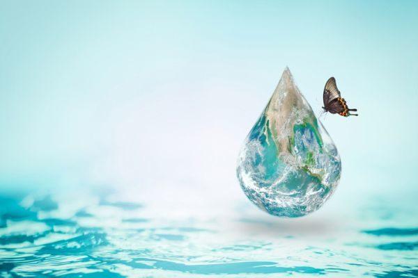 como-celebrar-dia-de-los-oceanos-tierra-gota-de-agua-oceano-istock