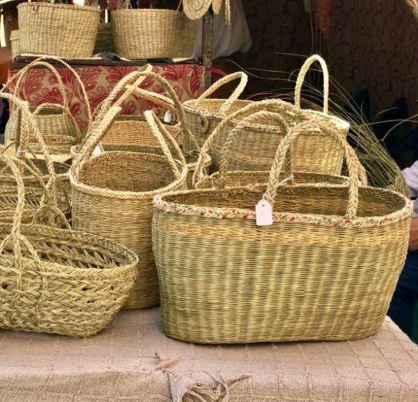 Decorar cestas mimbre papel