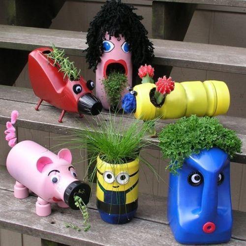 manualidades-dia-del-medio-ambiente-jardineras-de-botellas-de-limpieza-europapress