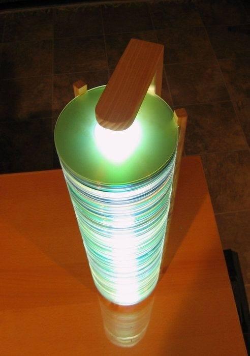 Manualidades con CD reciclados paso a paso lámpara cool