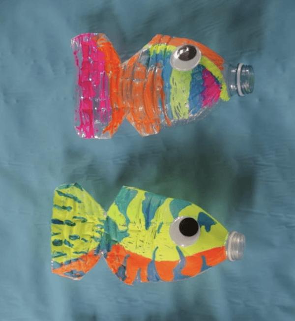 Ideas para hacer manualidades de animales con materiales reciclados peces botella