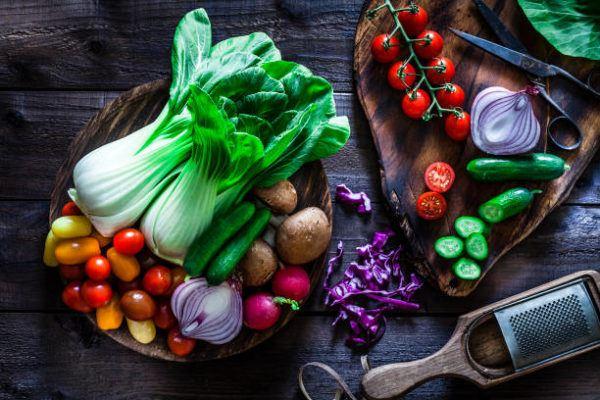 Que frutas y verduras comer en junio calendario de temporada junio